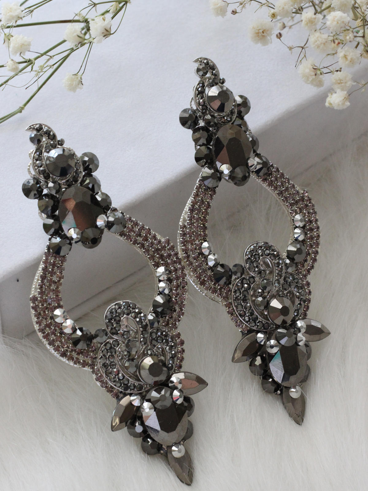 Limited Earrings 281